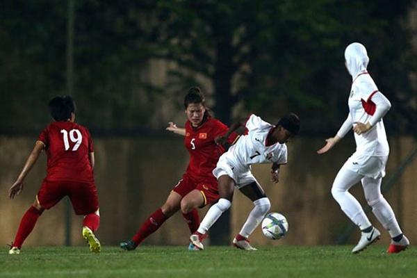 TIN BÓNG ĐÁ VIỆT NAM 29/10: U19 nữ Việt Nam vào vòng 2 với ngôi nhất bảng