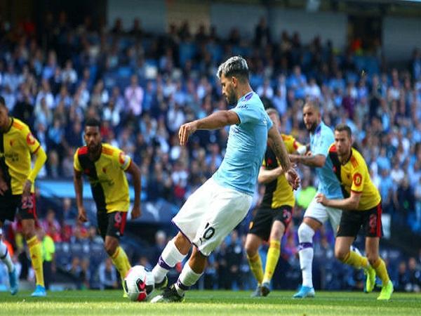 Aguero đi vào lịch sử Premier League