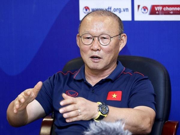"""HLV Park Hang-seo vào Đà Nẵng """"đãi cát tìm vàng"""" cho U22 Việt Nam"""