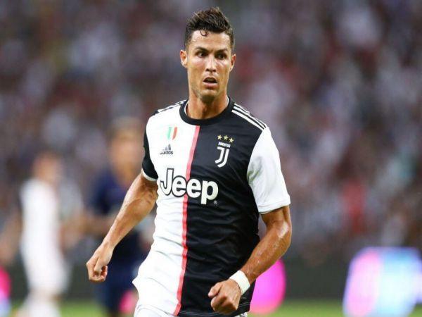 Ronaldo tháo chạy khỏi Juventus