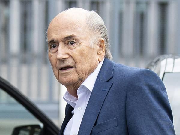 Tin bóng đá ngày 25/3: Cựu chủ tịch FIFA tiếp tục nhận án phạt